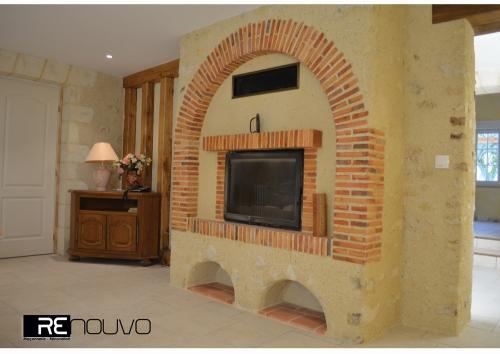 Rénovation d'une cheminée avec techniques traditionnelles